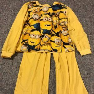 Despicable Me Minion Size 6/7 Fleece Pajama Set